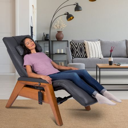 woman in room in a Gravis ZG Chair