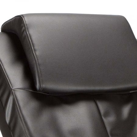 WholeBody 7.1 massage chair in Black upholstery - Close up of pillow